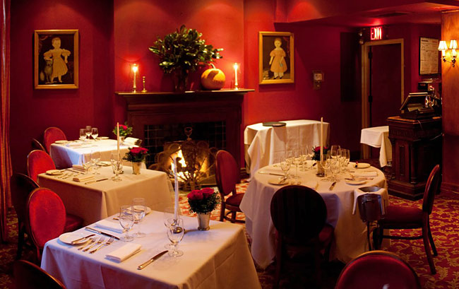 The dining room of the restaurant oozes romance.
