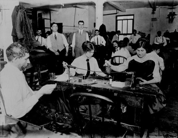 Making shirtwaists, 1900s.